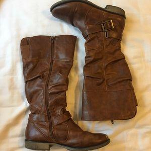 Baretraps brown zip-up boots